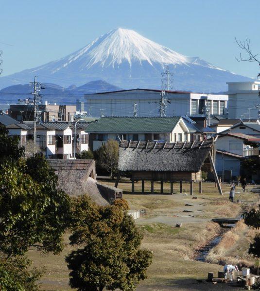 2017.2.12富士山と復元家屋