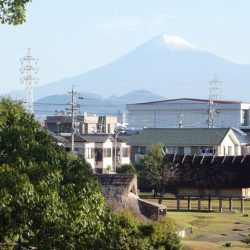 雪を戴いた富士山